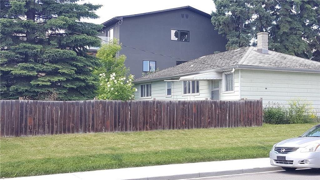 Photo 4: Photos: 2403 32 Avenue SW in Calgary: Richmond House for sale : MLS®# C4123862