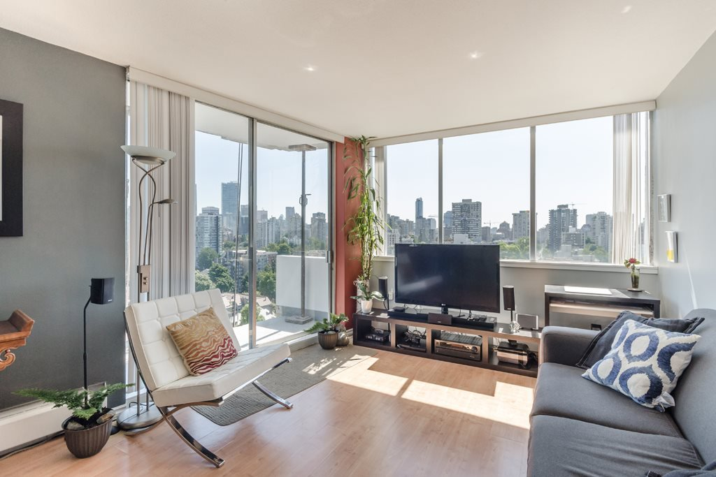 "Main Photo: 2105 1251 CARDERO Street in Vancouver: West End VW Condo for sale in ""THE SURFCREST"" (Vancouver West)  : MLS®# R2190584"