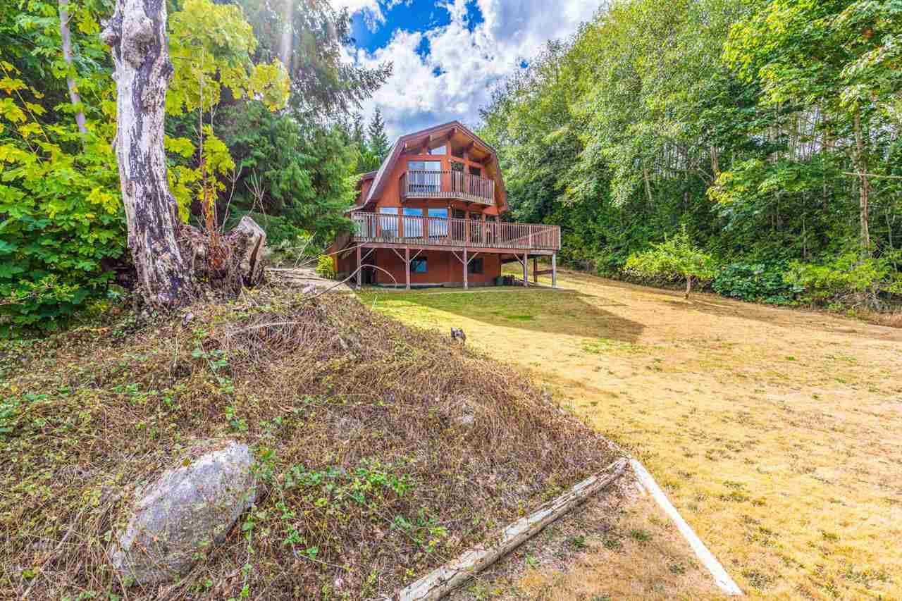 Main Photo: 6318 N GALE Avenue in Sechelt: Sechelt District House for sale (Sunshine Coast)  : MLS®# R2199677