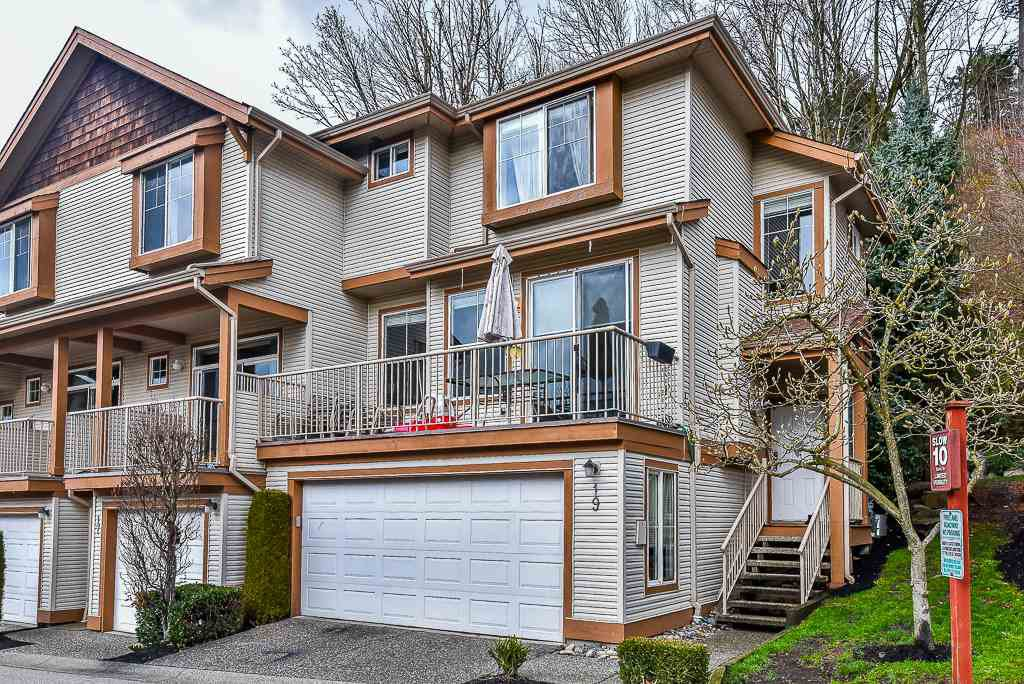 "Main Photo: 19 35287 OLD YALE Road in Abbotsford: Abbotsford East Townhouse for sale in ""THE FALLS"" : MLS®# R2224686"