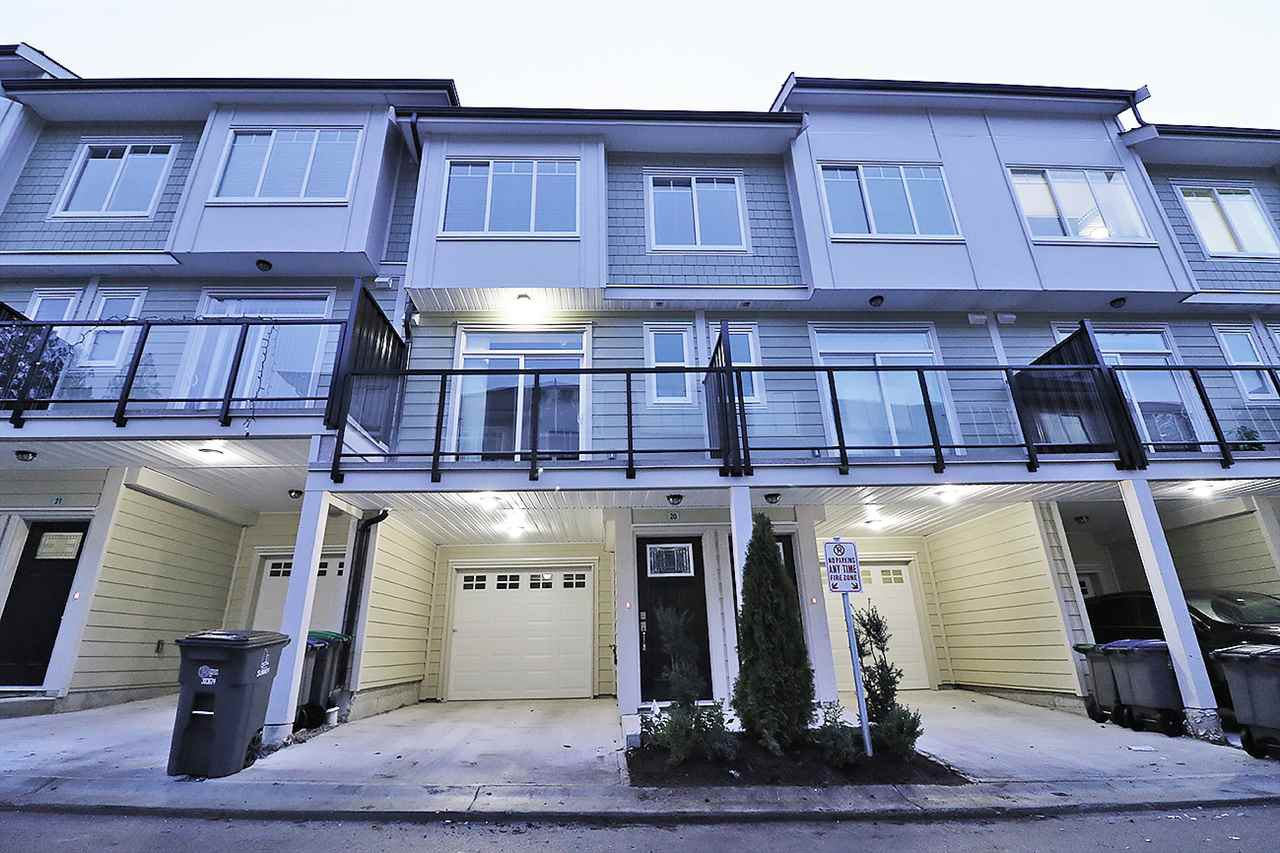 Main Photo: 20 13670 62 AVENUE in Surrey: Sullivan Station Townhouse for sale : MLS®# R2226296