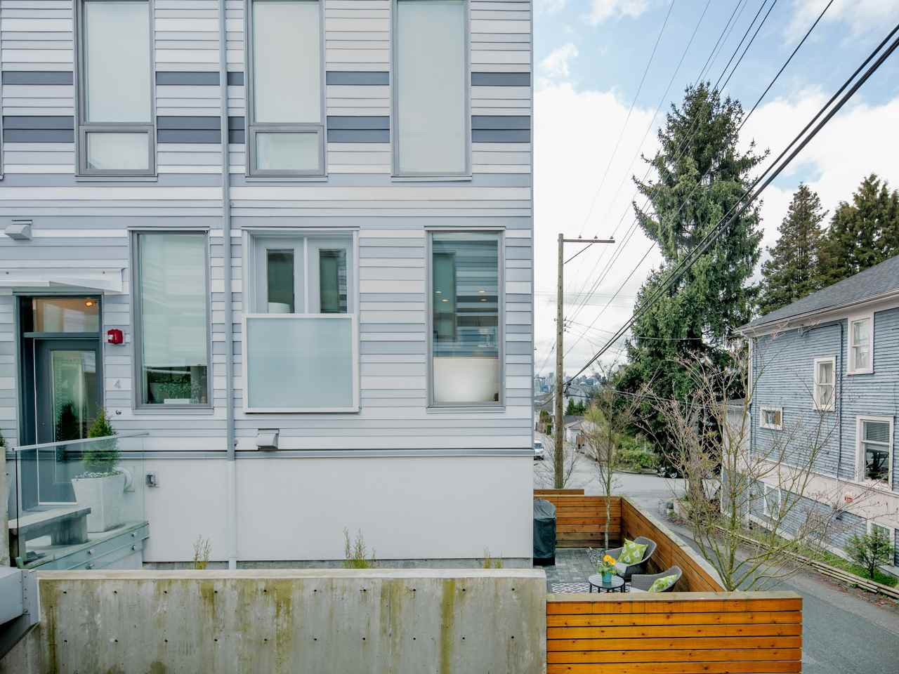 Photo 16: Photos: 4 1411 E 1ST AVENUE in Vancouver: Grandview VE Townhouse for sale (Vancouver East)  : MLS®# R2254853