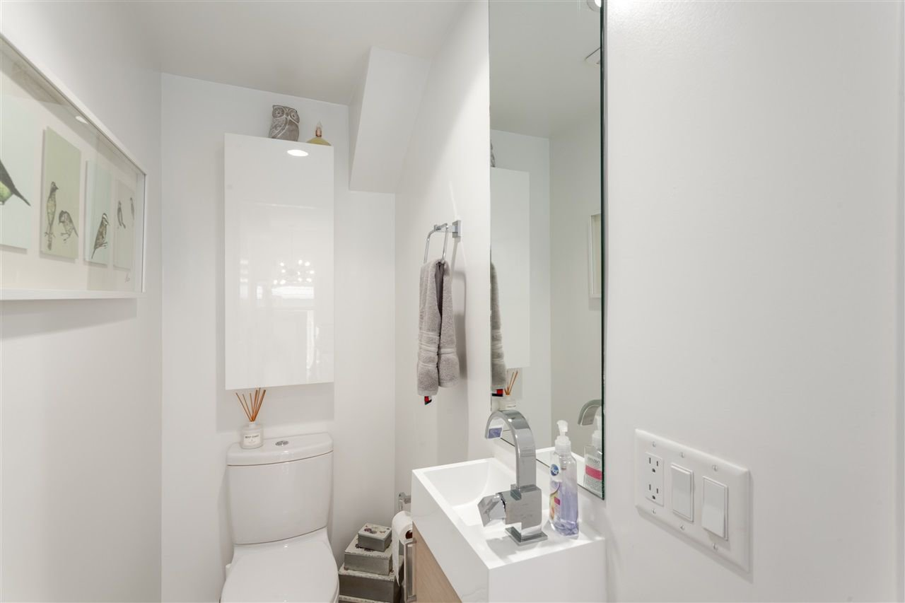 Photo 11: Photos: 4 1411 E 1ST AVENUE in Vancouver: Grandview VE Townhouse for sale (Vancouver East)  : MLS®# R2254853