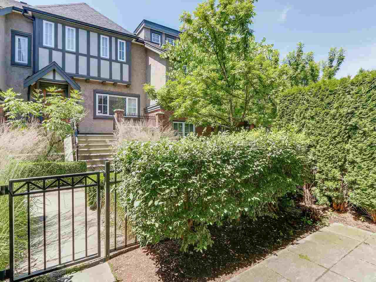 """Photo 17: Photos: 6181 OAK Street in Vancouver: South Granville Townhouse for sale in """"CARRINGTON"""" (Vancouver West)  : MLS®# R2295526"""