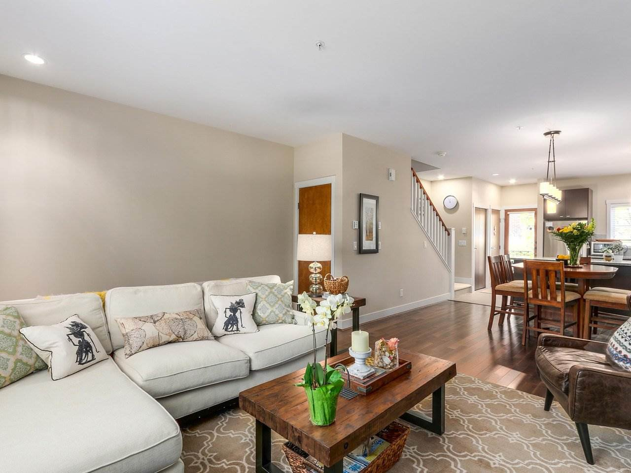 """Photo 4: Photos: 6181 OAK Street in Vancouver: South Granville Townhouse for sale in """"CARRINGTON"""" (Vancouver West)  : MLS®# R2295526"""