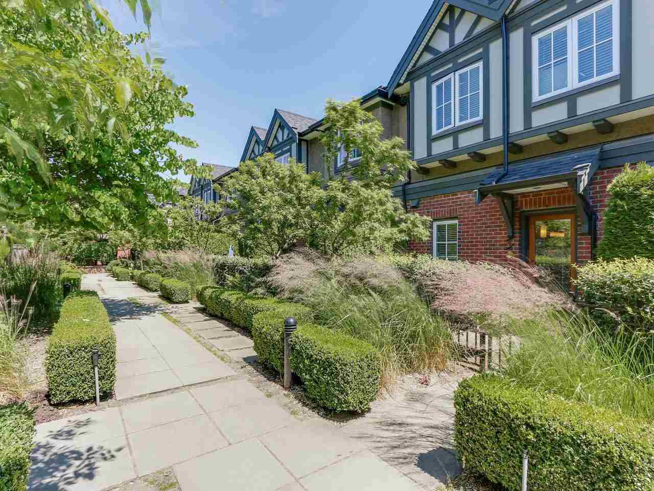"""Photo 18: Photos: 6181 OAK Street in Vancouver: South Granville Townhouse for sale in """"CARRINGTON"""" (Vancouver West)  : MLS®# R2295526"""