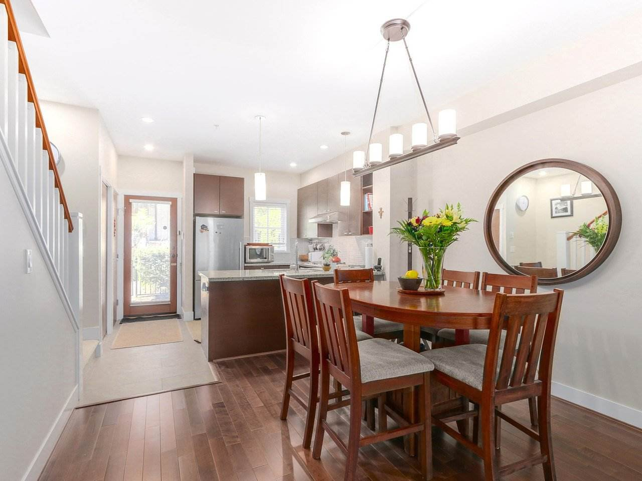 """Photo 5: Photos: 6181 OAK Street in Vancouver: South Granville Townhouse for sale in """"CARRINGTON"""" (Vancouver West)  : MLS®# R2295526"""