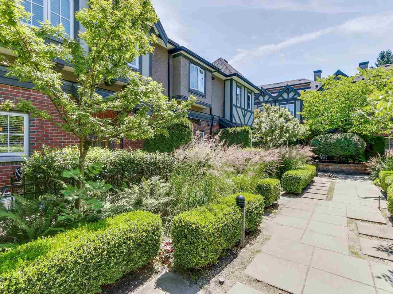 """Photo 19: Photos: 6181 OAK Street in Vancouver: South Granville Townhouse for sale in """"CARRINGTON"""" (Vancouver West)  : MLS®# R2295526"""