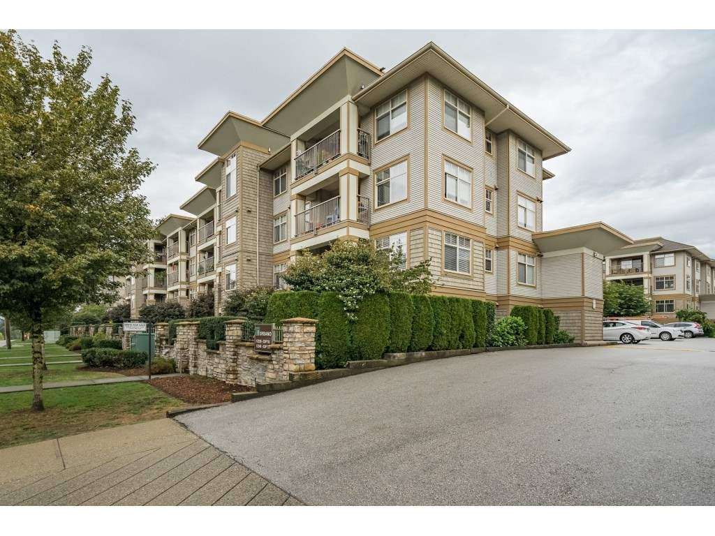 "Main Photo: 305 12238 224 Street in Maple Ridge: East Central Condo for sale in ""Urbano"" : MLS®# R2306017"