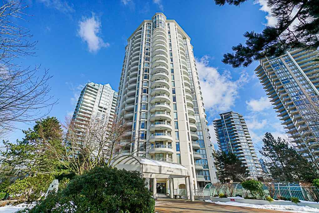 "Main Photo: 1704 6188 PATTERSON Avenue in Burnaby: Metrotown Condo for sale in ""THE WIMBLEDON CLUB"" (Burnaby South)  : MLS®# R2341545"