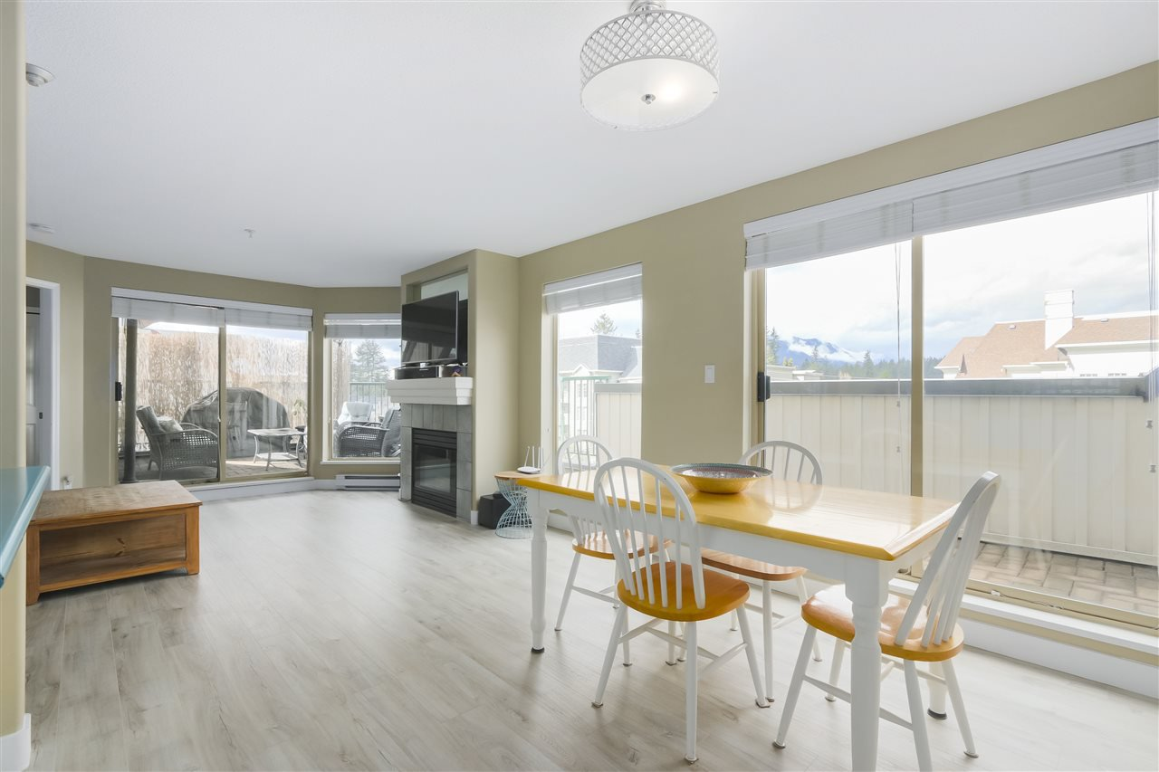 """Photo 5: Photos: 407 1650 GRANT Avenue in Port Coquitlam: Glenwood PQ Condo for sale in """"FORESTSIDE"""" : MLS®# R2353372"""