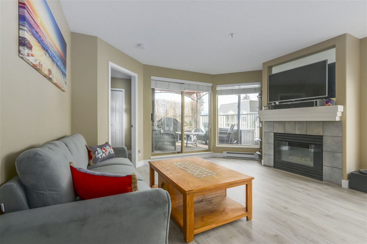 """Photo 2: Photos: 407 1650 GRANT Avenue in Port Coquitlam: Glenwood PQ Condo for sale in """"FORESTSIDE"""" : MLS®# R2353372"""