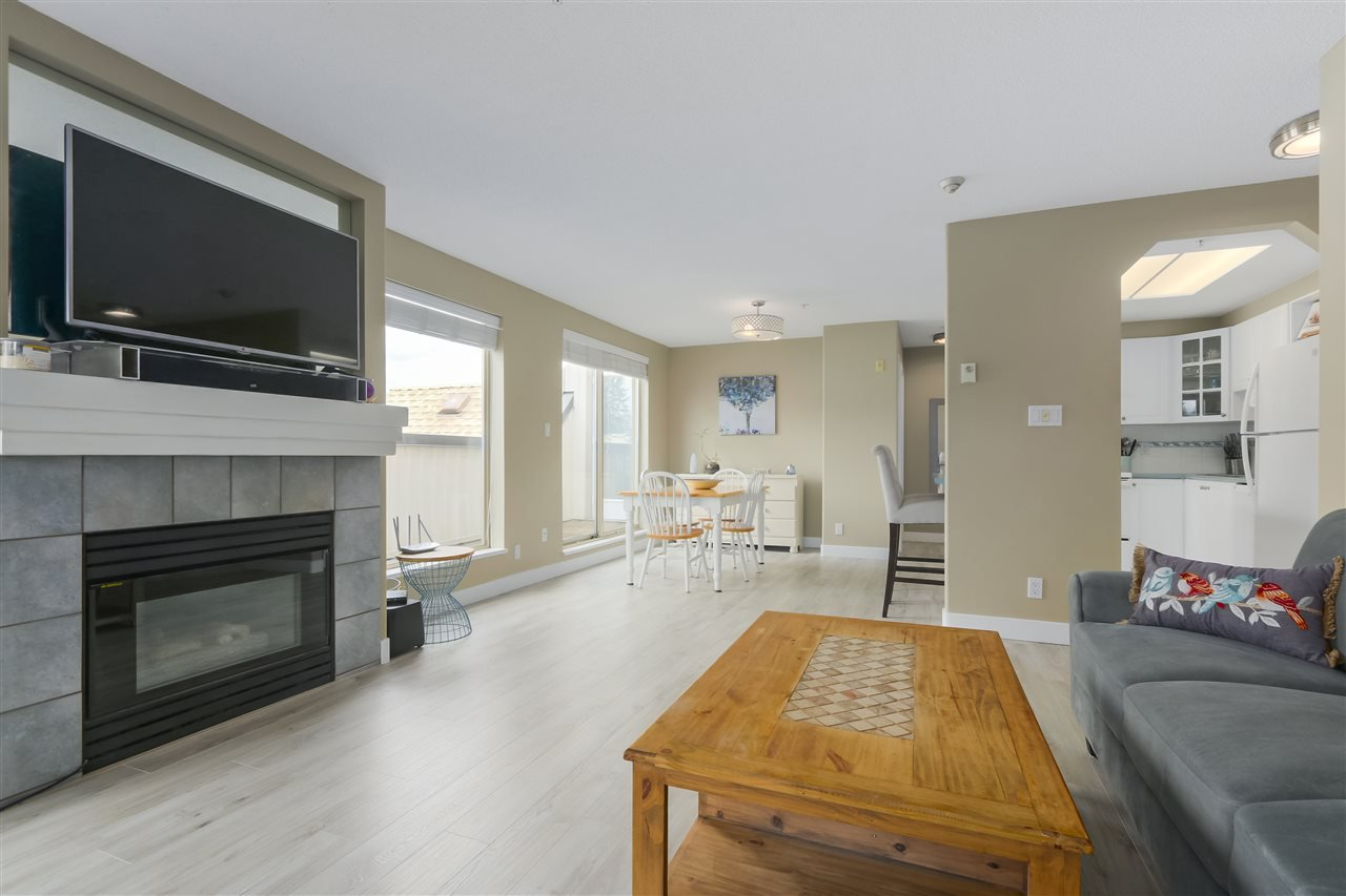 """Photo 3: Photos: 407 1650 GRANT Avenue in Port Coquitlam: Glenwood PQ Condo for sale in """"FORESTSIDE"""" : MLS®# R2353372"""