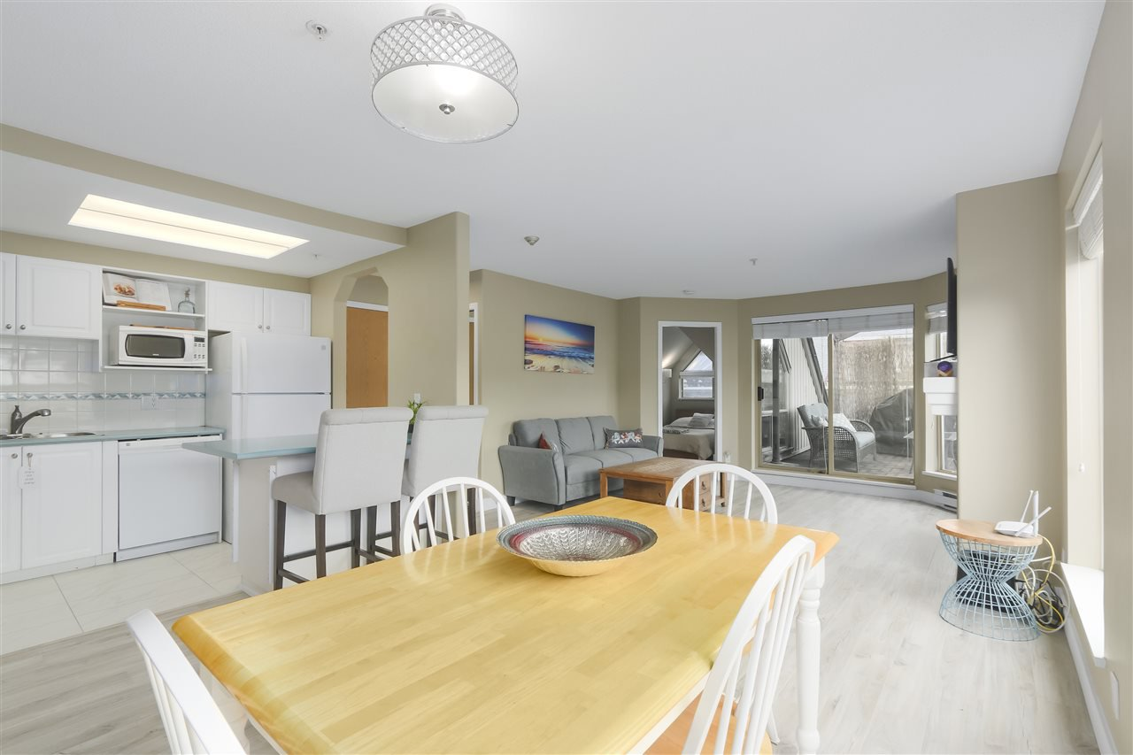 """Photo 7: Photos: 407 1650 GRANT Avenue in Port Coquitlam: Glenwood PQ Condo for sale in """"FORESTSIDE"""" : MLS®# R2353372"""