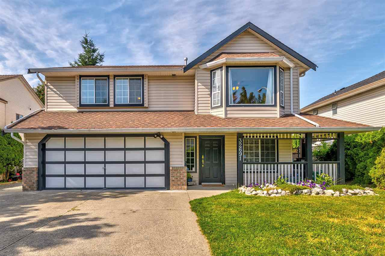 Main Photo: 32691 KUDO Drive in Mission: Mission BC House for sale : MLS®# R2391433