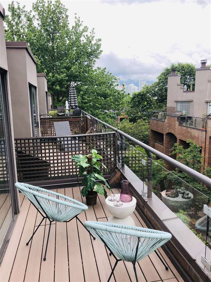 """Photo 37: Photos: 4 766 W 7TH Avenue in Vancouver: Fairview VW Townhouse for sale in """"Willow Court"""" (Vancouver West)  : MLS®# R2456151"""
