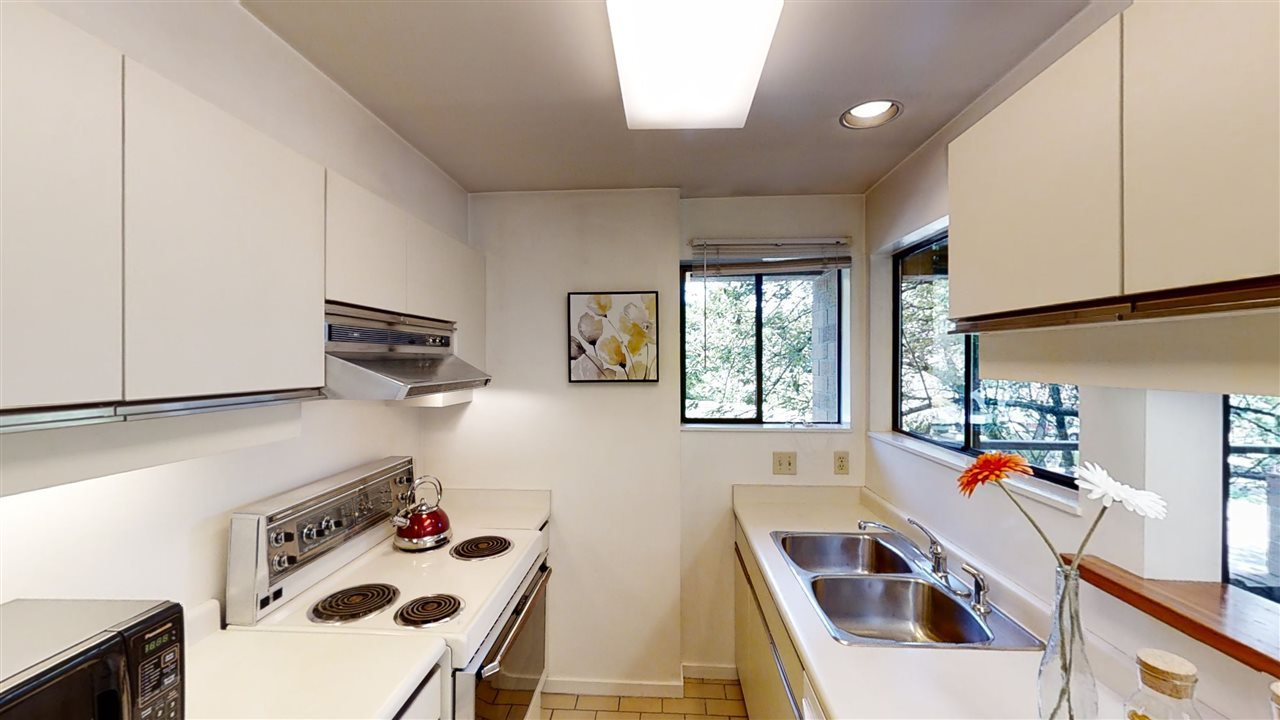 """Photo 16: Photos: 4 766 W 7TH Avenue in Vancouver: Fairview VW Townhouse for sale in """"Willow Court"""" (Vancouver West)  : MLS®# R2456151"""