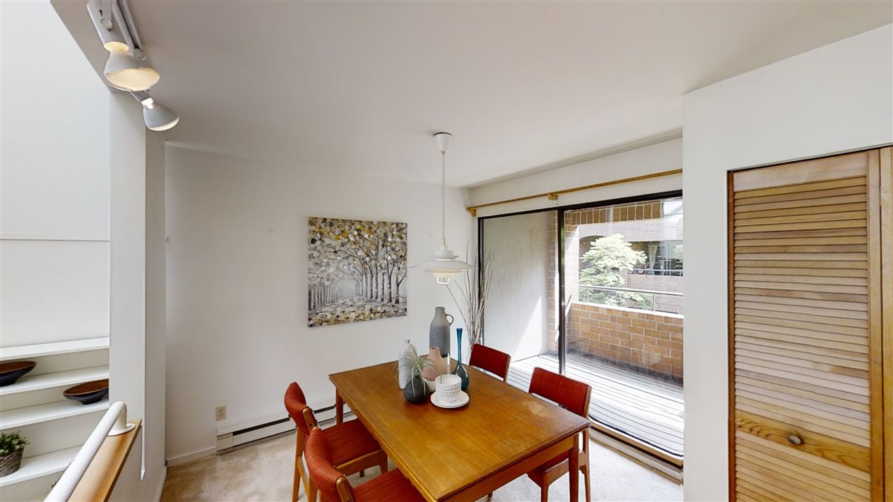 """Photo 9: Photos: 4 766 W 7TH Avenue in Vancouver: Fairview VW Townhouse for sale in """"Willow Court"""" (Vancouver West)  : MLS®# R2456151"""