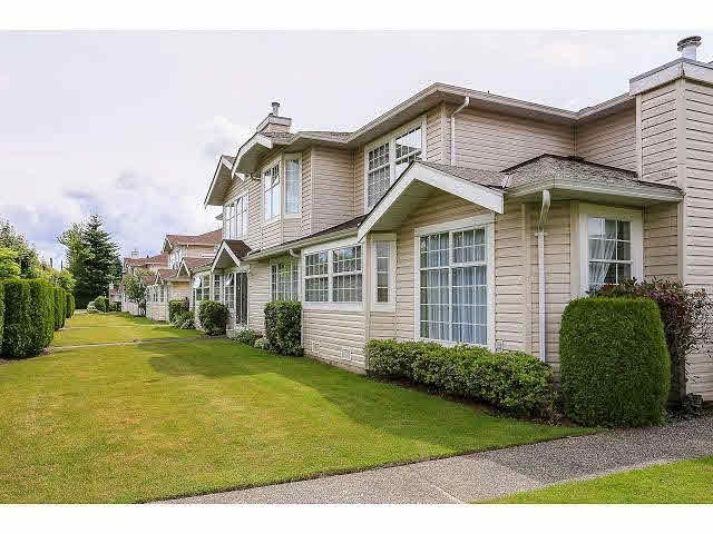 """Main Photo: 36 9168 FLEETWOOD Way in Surrey: Fleetwood Tynehead Townhouse for sale in """"THE FOUNTAIANS"""" : MLS®# F1415407"""