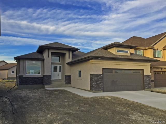 Main Photo: 11 GREENSTONE Bay in Winnipeg: Residential for sale : MLS®# 1500824