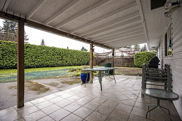 Photo 17: Photos: 704 GROVER Avenue in Coquitlam: Coquitlam West House for sale : MLS®# R2024332
