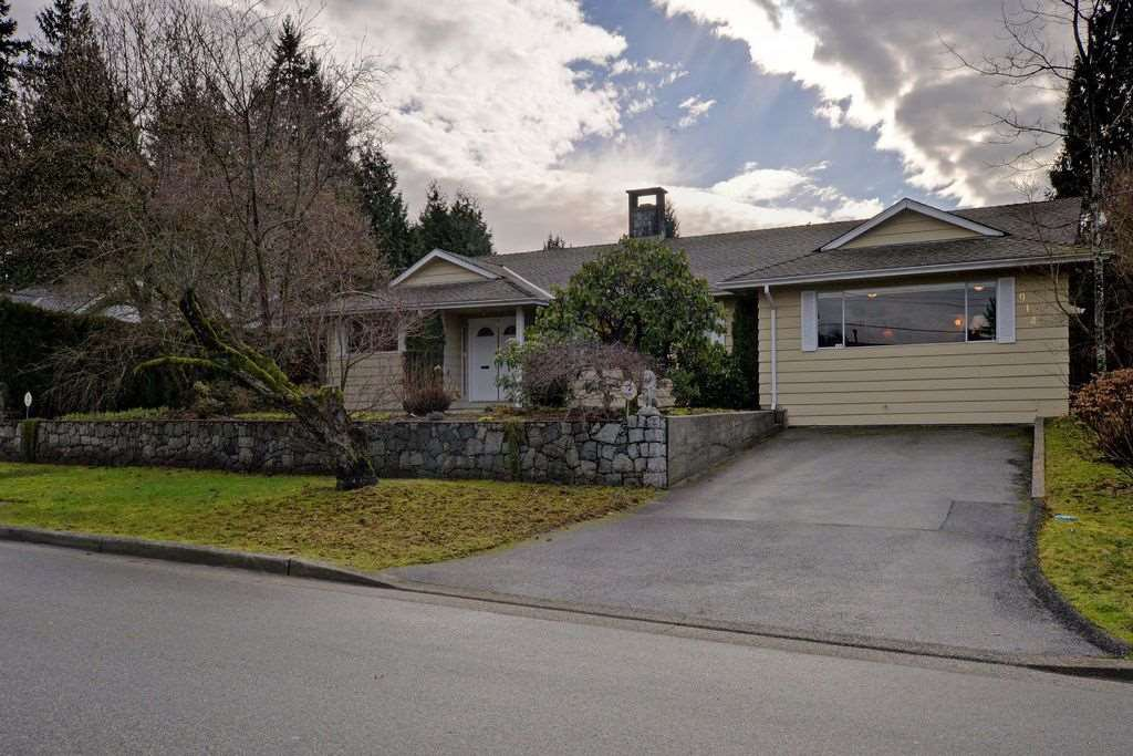 "Main Photo: 914 RUNNYMEDE Avenue in Coquitlam: Coquitlam West House for sale in ""COQUITLAM WEST"" : MLS®# R2032376"