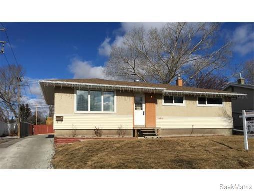 Main Photo: 4910 SHERWOOD Drive in Regina: Regent Park Single Family Dwelling for sale (Regina Area 02)  : MLS®# 565264