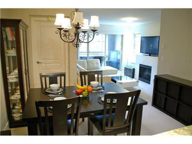 """Photo 10: Photos: 417 2088 BETA Avenue in Burnaby: Brentwood Park Condo for sale in """"MEMENTO"""" (Burnaby North)  : MLS®# R2110935"""