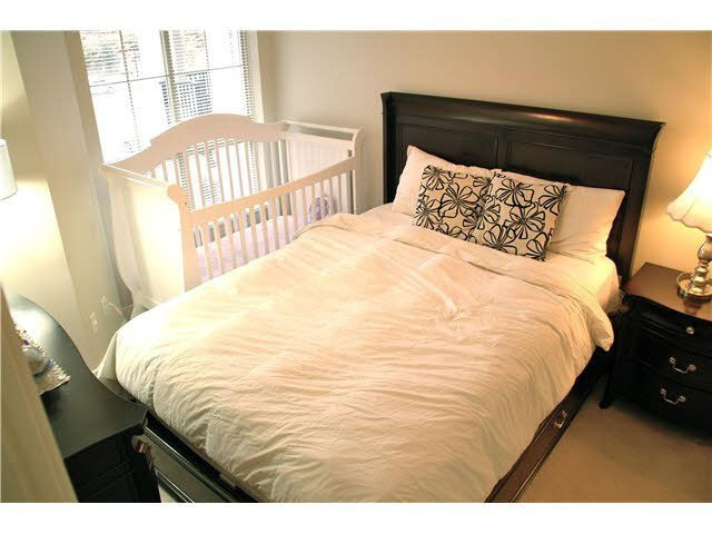 """Photo 11: Photos: 417 2088 BETA Avenue in Burnaby: Brentwood Park Condo for sale in """"MEMENTO"""" (Burnaby North)  : MLS®# R2110935"""