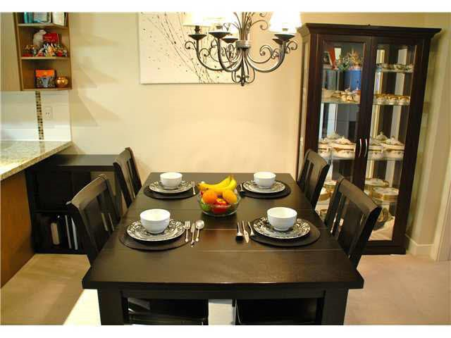 """Photo 9: Photos: 417 2088 BETA Avenue in Burnaby: Brentwood Park Condo for sale in """"MEMENTO"""" (Burnaby North)  : MLS®# R2110935"""