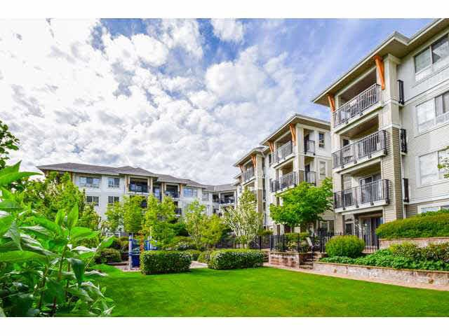 """Photo 15: Photos: 417 2088 BETA Avenue in Burnaby: Brentwood Park Condo for sale in """"MEMENTO"""" (Burnaby North)  : MLS®# R2110935"""