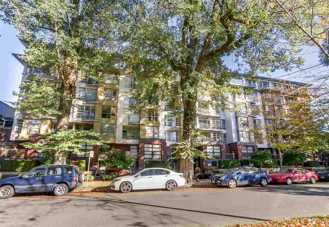 "Main Photo: 311 2137 W 10TH Avenue in Vancouver: Kitsilano Condo for sale in ""The ""I"""" (Vancouver West)  : MLS®# R2116196"