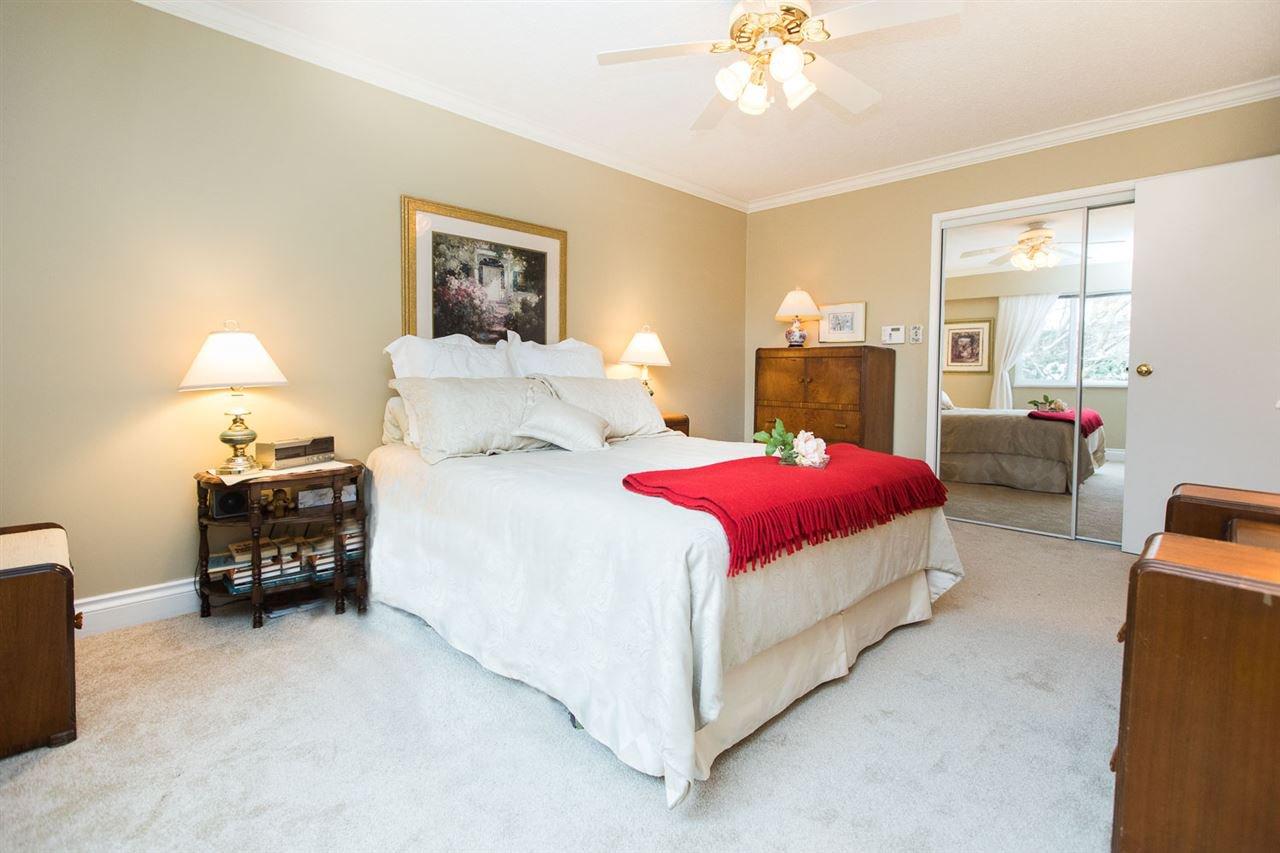 "Photo 11: Photos: 6682 BAKER Road in Delta: Sunshine Hills Woods House for sale in ""Sunshine Hills"" (N. Delta)  : MLS®# R2137622"