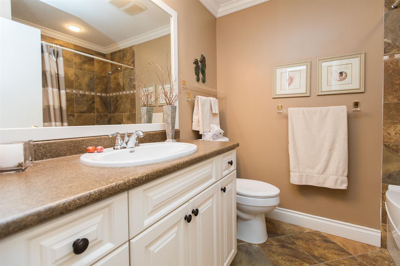 "Photo 10: Photos: 6682 BAKER Road in Delta: Sunshine Hills Woods House for sale in ""Sunshine Hills"" (N. Delta)  : MLS®# R2137622"