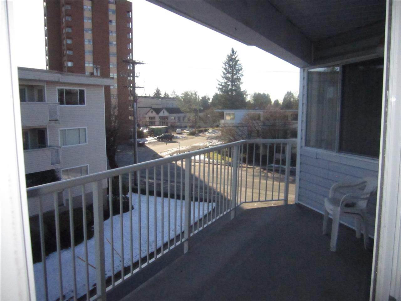 "Photo 18: Photos: 306 22222 119 Avenue in Maple Ridge: West Central Condo for sale in ""OXFORD MANOR"" : MLS®# R2139607"