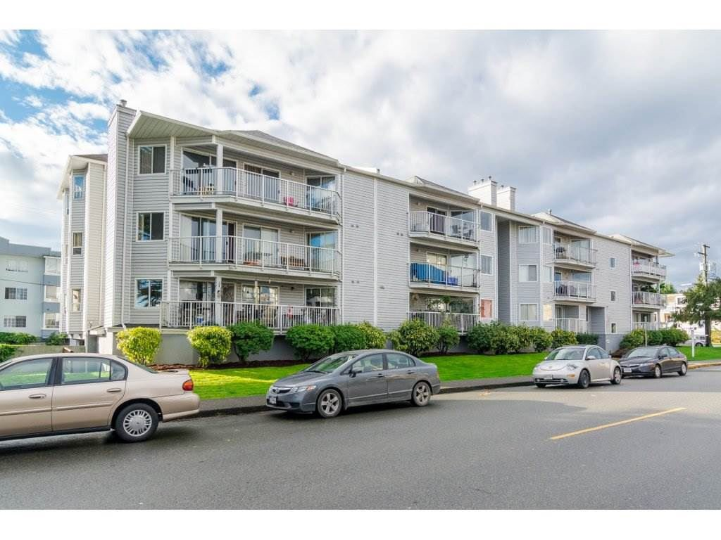 "Photo 1: Photos: 306 22222 119 Avenue in Maple Ridge: West Central Condo for sale in ""OXFORD MANOR"" : MLS®# R2139607"
