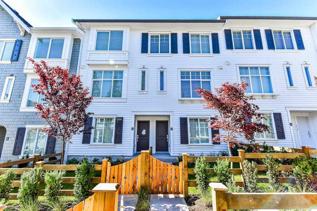 "Main Photo: 87 8130 136A Street in Surrey: Bear Creek Green Timbers Townhouse for sale in ""KINGS LANDING"" : MLS®# R2181174"