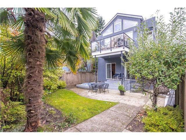 Main Photo: 4182 W 11TH AV in Vancouver: Point Grey House for sale (Vancouver West)  : MLS®# V1091010