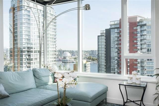 "Photo 5: Photos: 1908 68 SMITHE Street in Vancouver: Downtown VW Condo for sale in ""1 PACIFIC"" (Vancouver West)  : MLS®# R2244187"