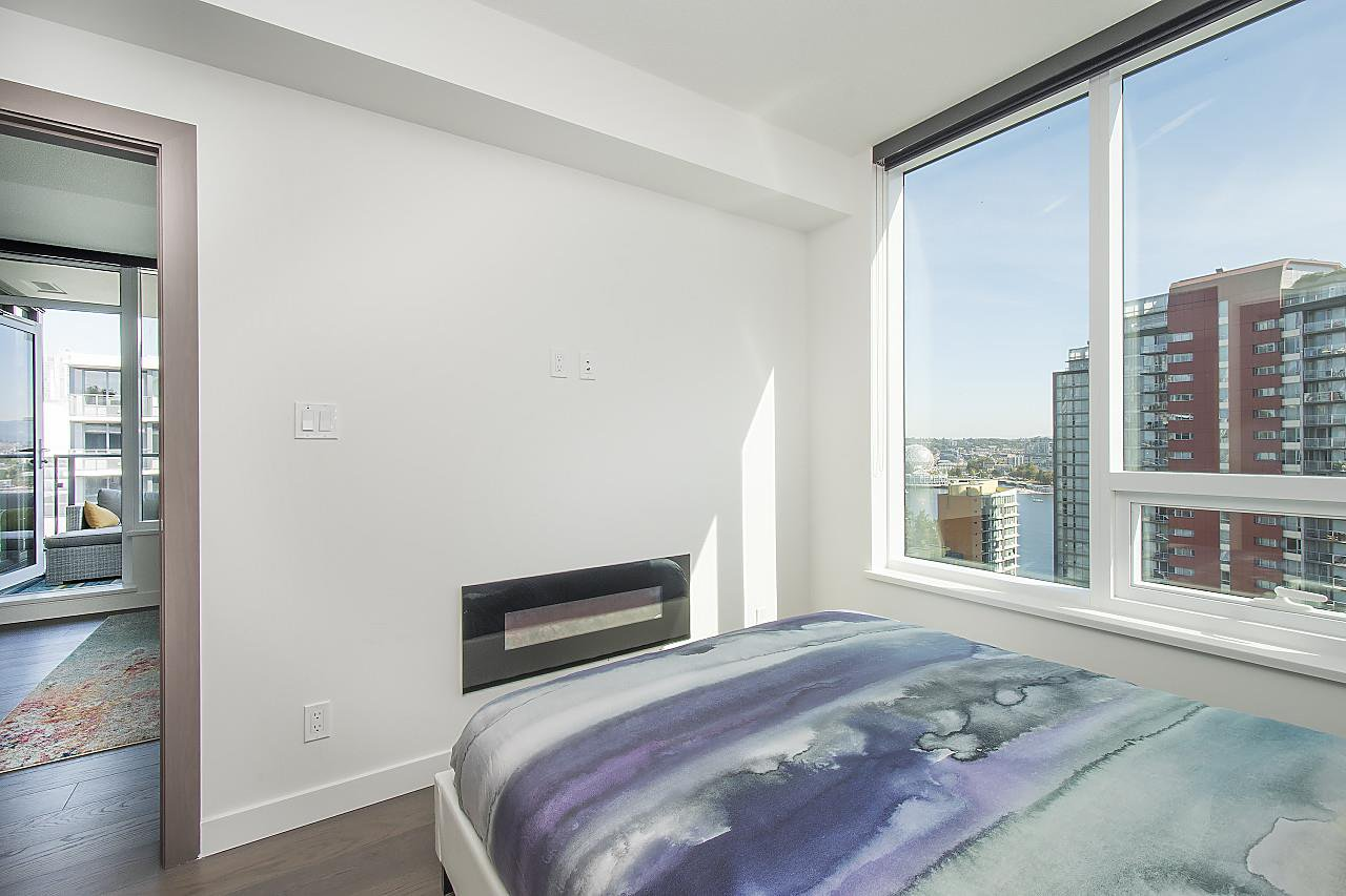"Photo 14: Photos: 1908 68 SMITHE Street in Vancouver: Downtown VW Condo for sale in ""1 PACIFIC"" (Vancouver West)  : MLS®# R2244187"