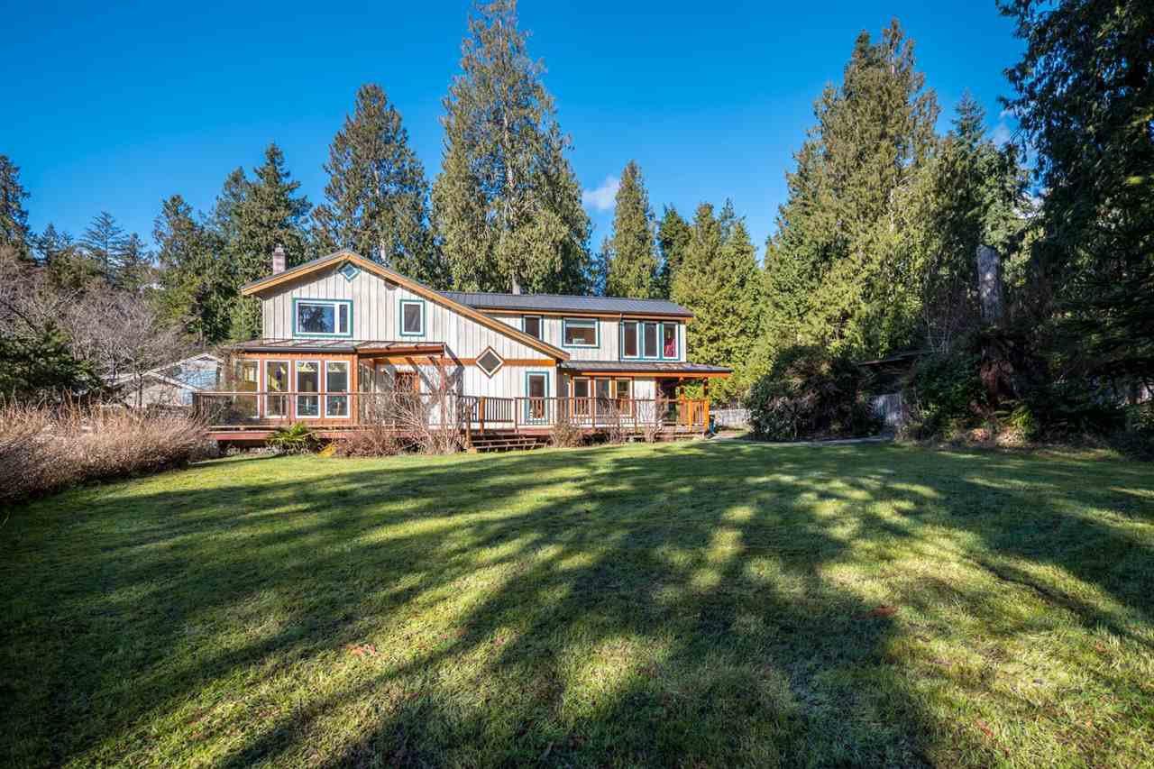 Photo 1: Photos: 3592 BEACH Avenue: Roberts Creek House for sale (Sunshine Coast)  : MLS®# R2244747