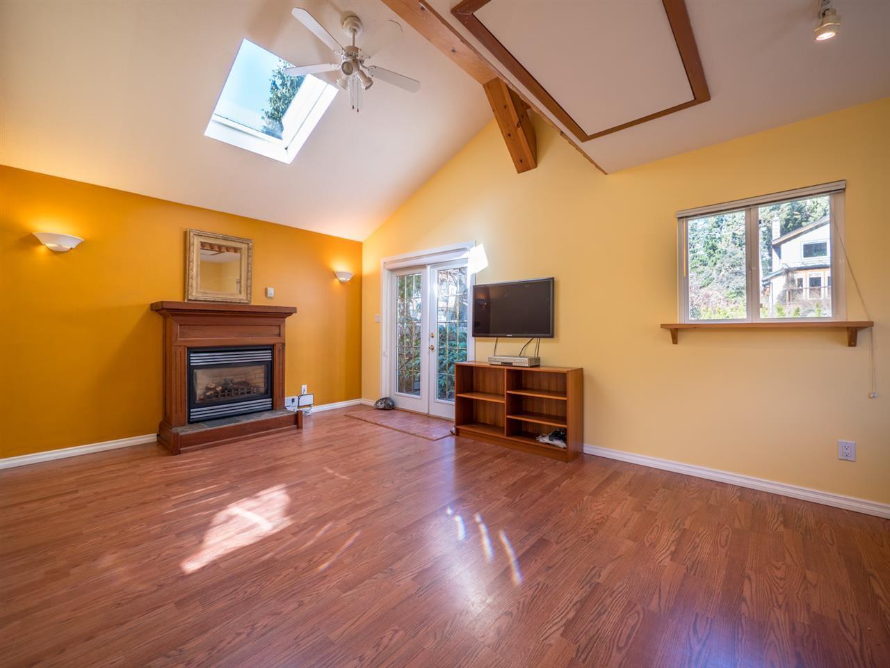 Photo 10: Photos: 3592 BEACH Avenue: Roberts Creek House for sale (Sunshine Coast)  : MLS®# R2244747