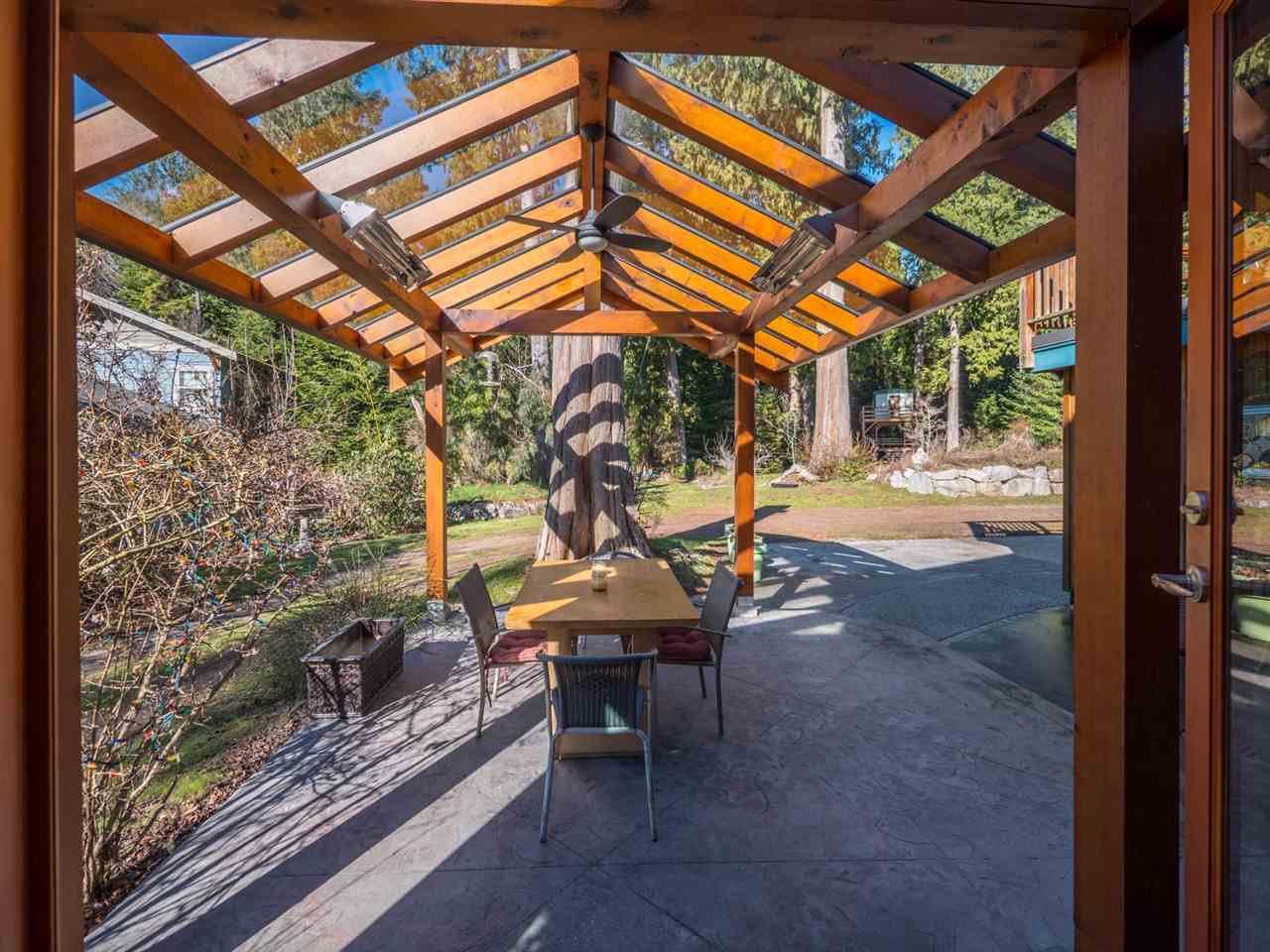 Photo 7: Photos: 3592 BEACH Avenue: Roberts Creek House for sale (Sunshine Coast)  : MLS®# R2244747