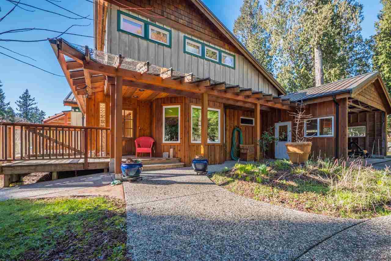 Photo 14: Photos: 3592 BEACH Avenue: Roberts Creek House for sale (Sunshine Coast)  : MLS®# R2244747