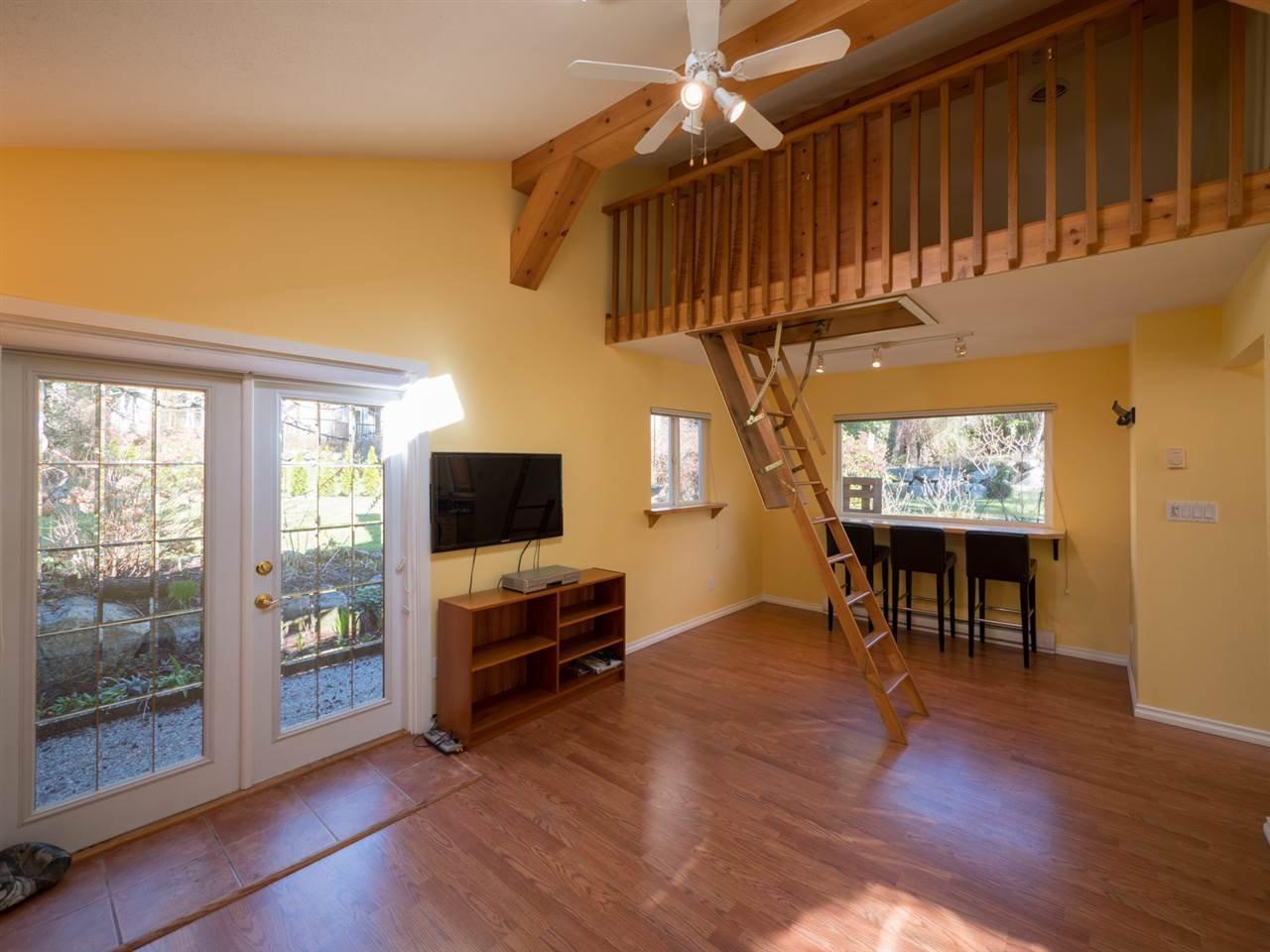 Photo 11: Photos: 3592 BEACH Avenue: Roberts Creek House for sale (Sunshine Coast)  : MLS®# R2244747