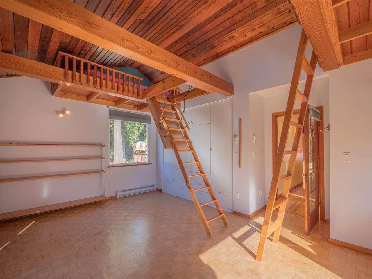 Photo 12: Photos: 3592 BEACH Avenue: Roberts Creek House for sale (Sunshine Coast)  : MLS®# R2244747