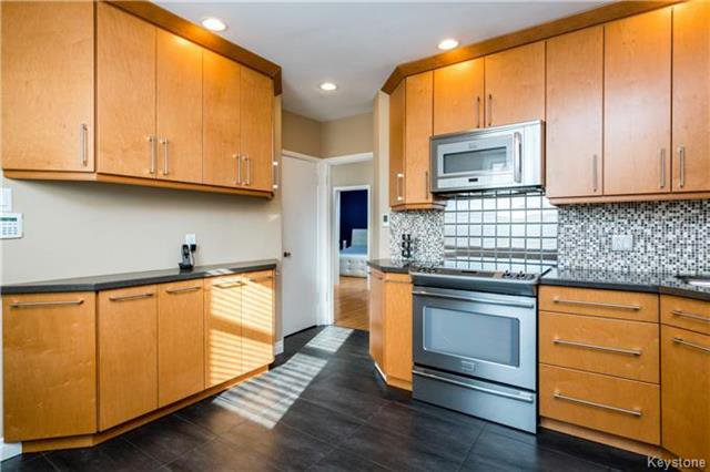 Photo 6: Photos: 884 Fisher Street in Winnipeg: Riverview Residential for sale (1A)  : MLS®# 1805068