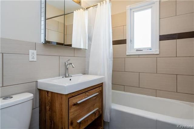 Photo 11: Photos: 884 Fisher Street in Winnipeg: Riverview Residential for sale (1A)  : MLS®# 1805068