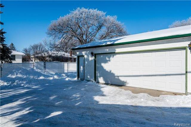 Photo 18: Photos: 884 Fisher Street in Winnipeg: Riverview Residential for sale (1A)  : MLS®# 1805068