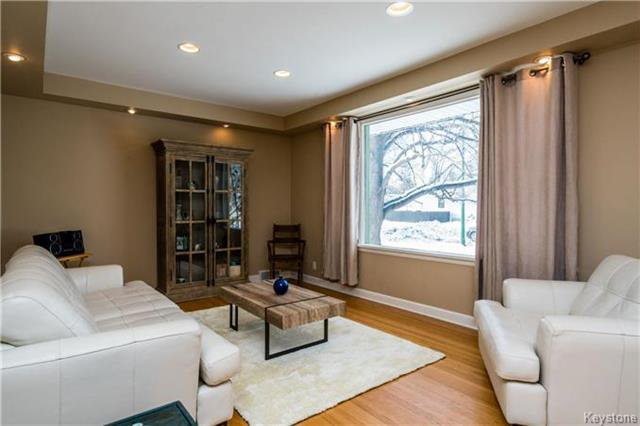 Photo 2: Photos: 884 Fisher Street in Winnipeg: Riverview Residential for sale (1A)  : MLS®# 1805068